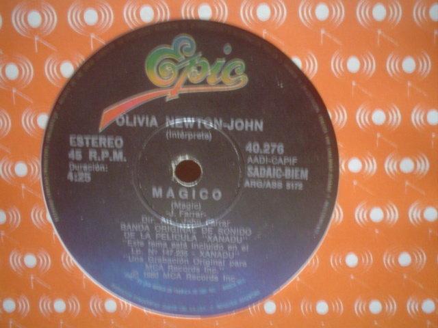 OLIVIA NEWTON JOHN - Magic-suspended In Time